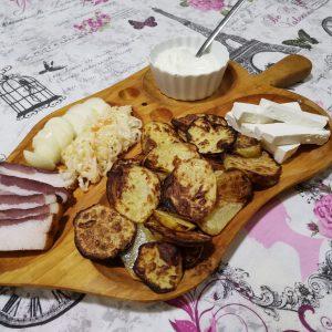 Platou bucovinean scrijele cartofi